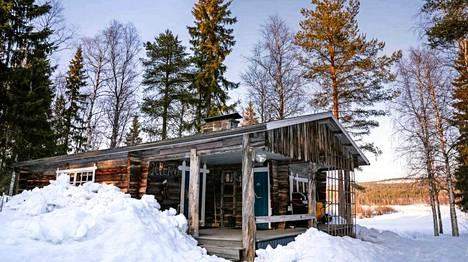 Rovaniemeltä löytyy pohjoisen eksotiikkaa tarjoavia majoituksia. Yksi niistä on Ollero Eco Lodge, joka sijaitsee Ounasjoen rannalla.