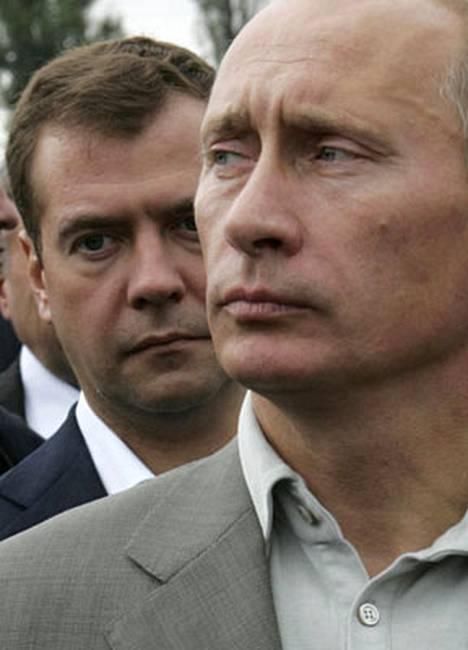 Dmitri Medvedev on mies Putinin takaa, ja nyt Putin ajaa häntä presidentiksi.