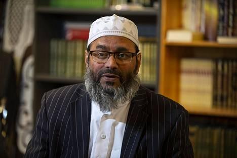 Oulun moskeijan imaami Abdul Mannan.