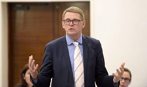 Matti Vanhanen on ammatiltaan toimittaja.