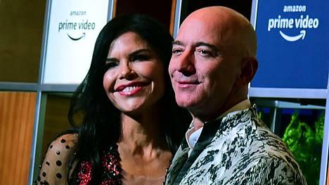 Lauren Sanchez ja Jeff Bezos pääsevät sisustushommiin.