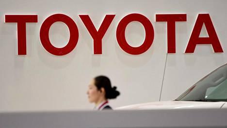 Toyota reagoi kuolonkolariin.