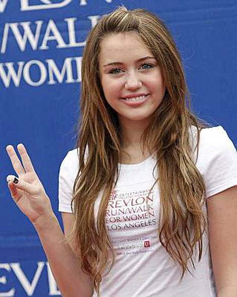 Teinitähti Miley Cyrus nautti Bahaman-lomastaan.