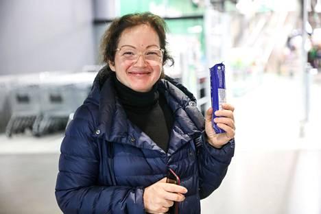 Tuttavaperheen puolesta Triplassa kaupassa käynyt Elena Jääskeläinen osti itselleen ainoastaan keksipaketin.