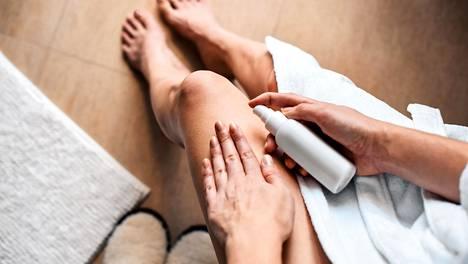 Jatkuva peseminen perussaippualla poistaa iholta luonnollisen suojan ja rasvakerroksen, jolloin ihosta tulee huokoisempi ja se kuivuu ja ärtyy helpommin.