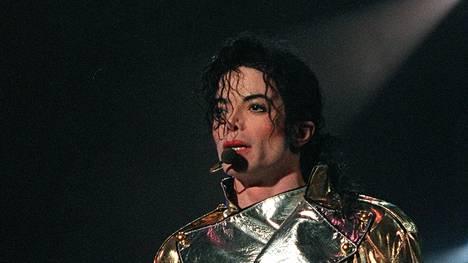 Michael Jackson kuoli vuonna 2009, mutta kohut hänen ympäriltään eivät ole hälvenneet.