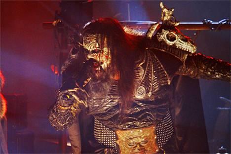 Konsertin aikana Lordi muun muassa söi lavalla lapsen sisäelimiä ja aivoja.