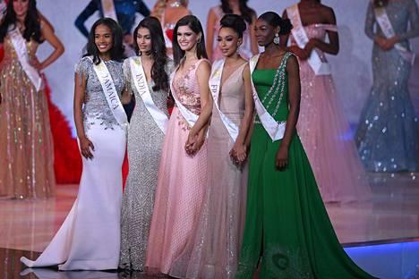 Jamaikan Toni-Ann Singh, Intian Suman Ratangsih Rao, Brasilian Elis Coelho, Ranskan Ophely Mezino ja Nigerian Nyekachi Douglas muodostivat kärkiviisikon.