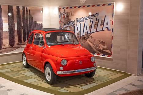 Sisustuselementteihin lukeutuva Fiat.