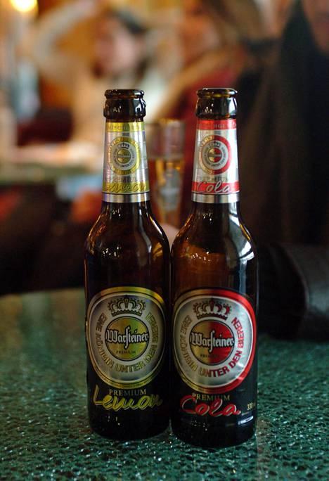 90-luvun Saksassa autoilijoillekin tarjottiin olutta, lukija muistelee.
