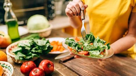 Hyvä ruokavalio sisältää vähintään puoli kiloa kasviksia päivässä.