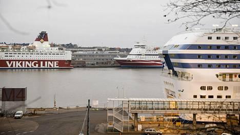 Laivojen matkustajaliikenne Ruotsiin, Viroon ja Saksaan jää tauolle.