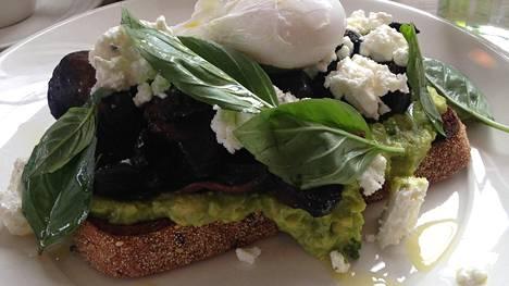 Toimittaja Veera Honkanen vieraili Australian Melbournessa ja huomasi avokadoilmiön, joka sopii myös suomalaiseen ruokapöytään.