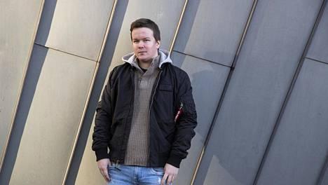 Logged in -sarjan ohjaaja Sami Kieksi.