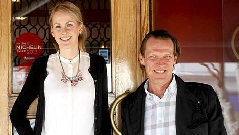 Kira Åkerström-Kekkonen ja isänsä Jan Åkerström.