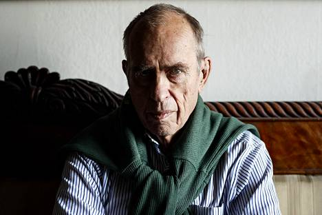 –Kun on täyttänyt 80, tulee myös alakuloiseksi. Realistina tietää, että kaikki eivät elä satavuotiaiksi, Jörn Donner sanoo – ja kertoo saaneensa lahjakortin tuhkaukseen.