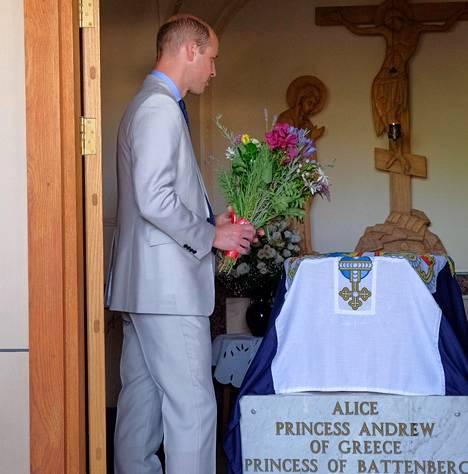 Prinssi William vieraili Israelissa viime vuonna ja kävi samalla laskemassa kukat isoisoäitinsä haudalle.