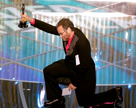 Robin Williams jakoi parhaan animaatioelokuvan Oscarin vuonna 2005.