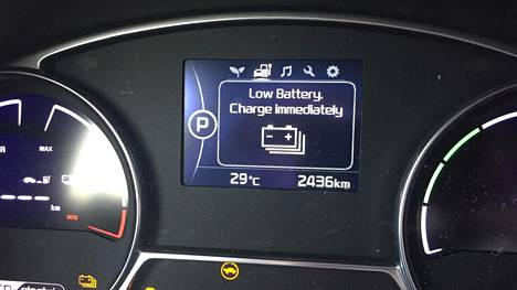 Sähköauto vaatii aina jossain vaiheessa lataamista. Luontevaa lataaminen on silloin, kuin auto seisoo jo muutenkin omalla parkkipaikallaan.