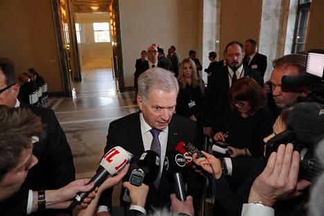Presidentti Sauli Niinistö sanoi, että IS:n liitteessä Suomesta ja maailmasta oli löydetty kivaa ja hyvää kehitystä.