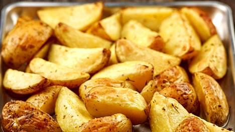 Opiskelijat löysivät kaavan, jolla saadaan täydellisen rapeat paahdetut perunat