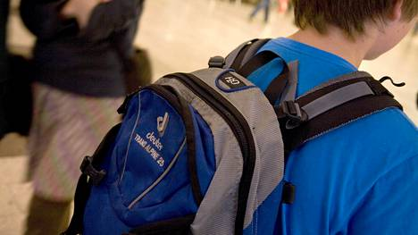 Koulureppu sisältöineen saisi painaa korkeintaan 15 prosenttia lapsen omasta painosta.