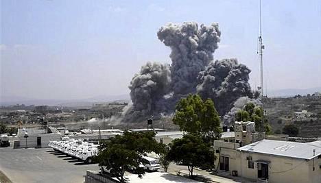 Israel pommitti Hessun kotikylää 2006.