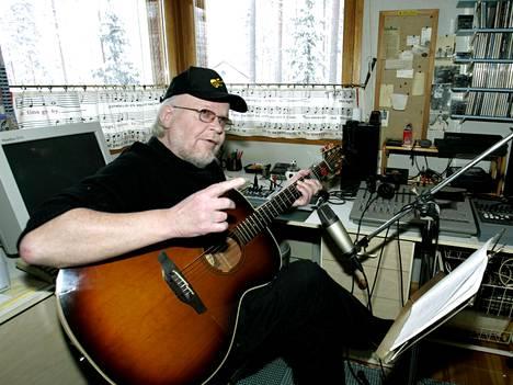 Kari Kuuva tunnetaan lukuisien suomalaisten ikivihreiden isänä.