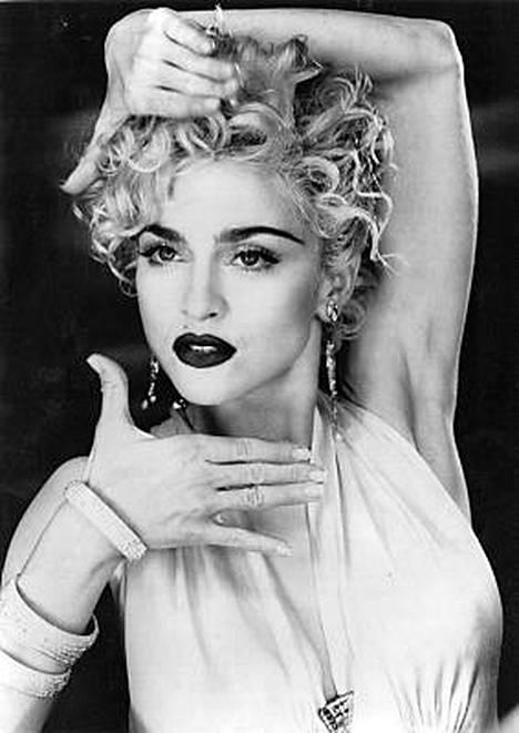 Madonna toi vuoden 1990 Vogue-hittinsä koreografiaan tanssiliikkeet homodiskoista.
