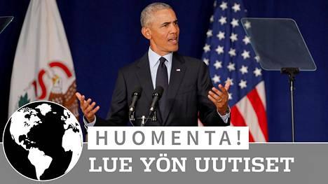 Entinen presidentti Barack Obama puhui perjantaina Illinoisin yliopistolla.