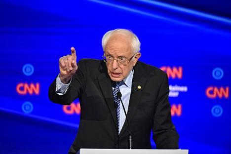 Bernie Sanders kritisoi kauppasopimuksia.