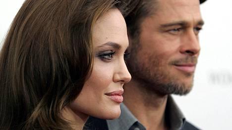 Angelina Jolie ei avioerosta huolimatta halua rangaista miestään, Brad Pittiä.