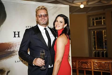 Antti J. Jokinen ja Krista Kosonen menivät naimisiin toukokuussa 2018. Parilla on vuonna 2015 syntynyt tytär.