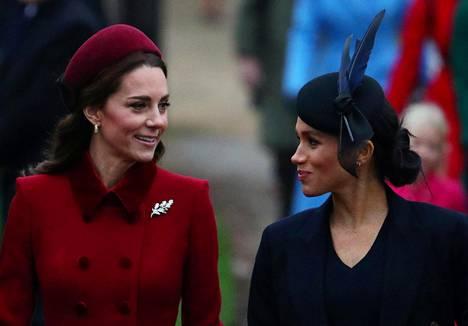 Briteissa kohuttiin joulun aikaan välirauhasta, jonka herttuatarten kerrottiin solmineen.