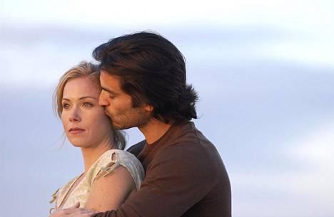 Christina Applegate on pääosassa romanttisessa elokuvassa Suzannen päiväkirja.