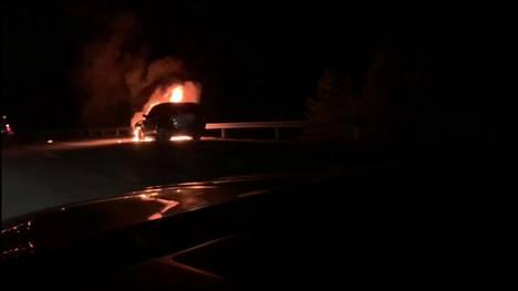 Palo oli sen verran raju, että auto meni lunastuskuntoon.