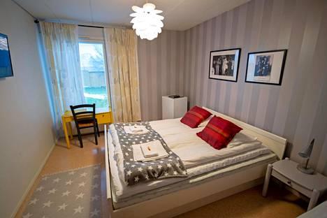 Motellin huoneita on nykyaikaistettu asumisviihtyvyyden takia.