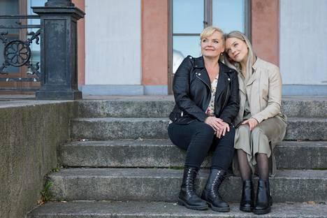 Äidin ja tyttären yhteisesiintymisestä tulee ikimuistoista molemmille.