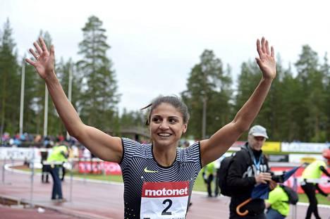 Neziri pääsi juhlimaan kuluvan kesän ensimmäistä Suomen ennätyksen parannusta 19. kesäkuuta Lapinlahdella.