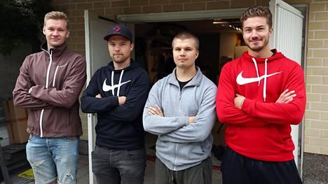 Mörkö-tiimiin kuuluvat Joni Jyllinmaa, Joonatan Piela, Miiro Karhu ja Joel Hollfast. Kuvasta puuttuvat Timo Järvenpää ja Petteri Harju