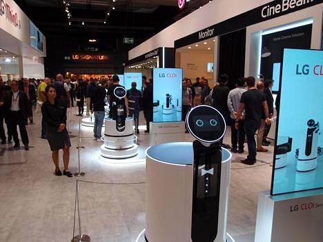 LG on kehittänyt useita versioita CLOi-roboteistaan, mutta toistaiseksi vain yksi malli on käytössä Soulin lentokentällä.