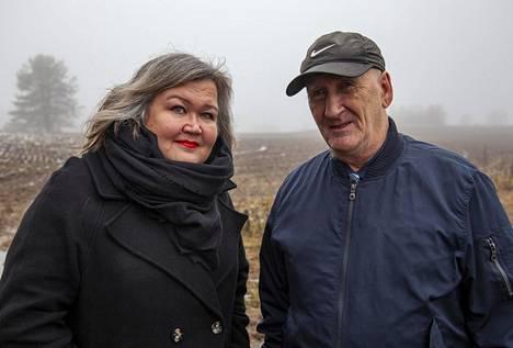 Ira Vihreälehto ja Juhani Kautiainen ovat saaneet selville suvun historian vasta kauan sodan päättymisen jälkeen.