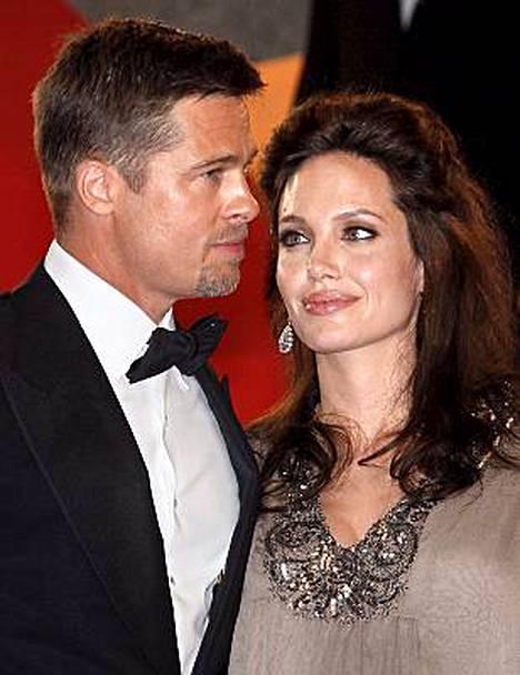 Brad Pitt ja Angelina Jolie Clint Eastwoodin uuden Changeling-elokuvan Cannesin-näytöksessä viime toukokuussa.