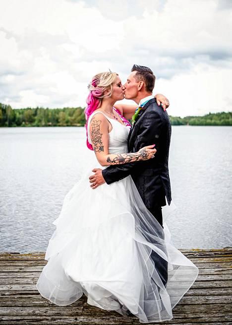Susanne ja Leevi ovat pienen Inna-tytön vanhemmat. Nyt he haaveilevat toisesta yhteisestä lapsesta.
