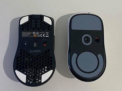 Pohjissa on myös eroja. Kuvassa vierekkäin Model O Wireless (vasemmalla) ja Superlight.