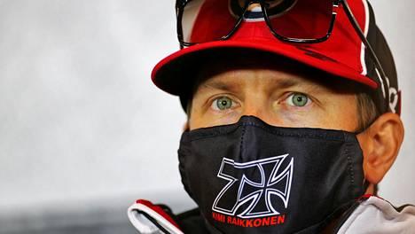 Kimi Räikkönen kiisti Autosportin tiedot siitä, että hänen jatkosopimuksestaan olisi jo päätetty.