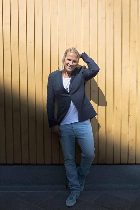 Sami Kuronen on ikuistanut juontamansa Temptation Islandin tuotantokaudet iholleen tähtinä.