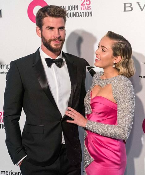 Miley Cyrus ja Liam Hemsworthin on-off-suhde kesti 10 vuoden ajan.