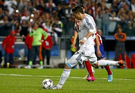 Cristiano Ronaldo viimeisteli kauden 17. osumansa rangaistuspotkusta.