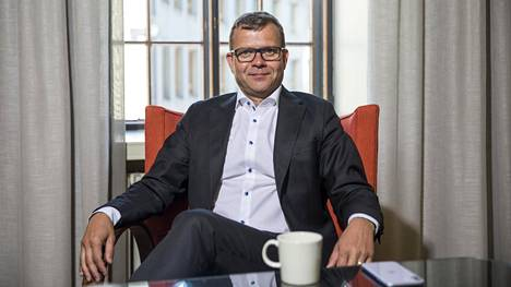 Kokoomuksen puheenjohtaja Petteri Orpo syyttää hallitusta linjattomuudesta työllisyyden hoidossa.